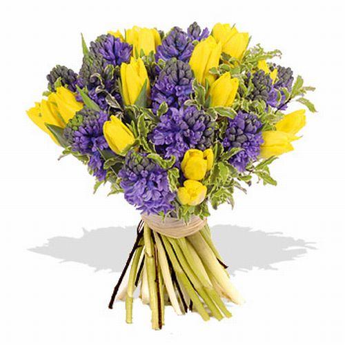 Оригинальные букеты с гиацинтами, цветы оптом доставка цены